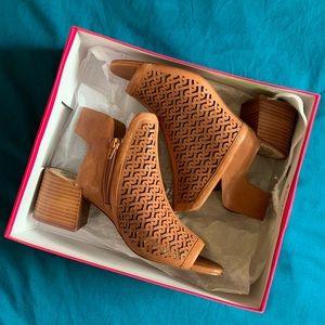 Vince Camuto Sternat Sandals